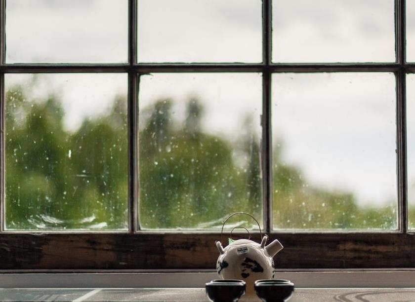 Խորթ հայրը դստերը պատուհանից դուրս է նետել