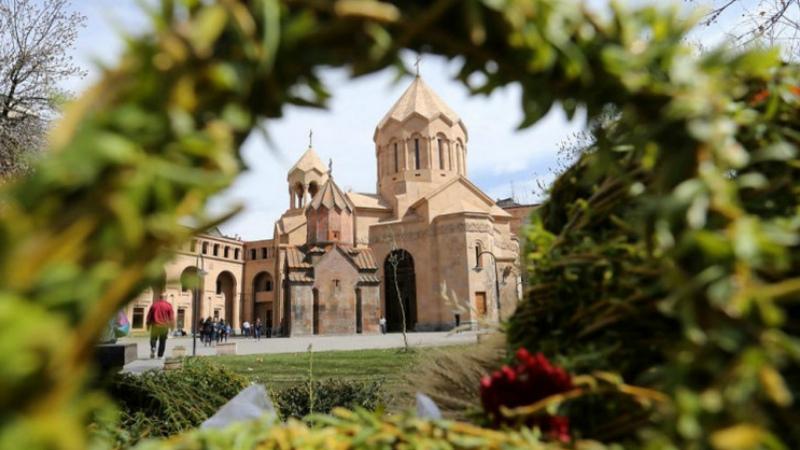 Այսօր Հայ Առաքելական Սուրբ Եկեղեցին տոնում է Ծաղկազարդը