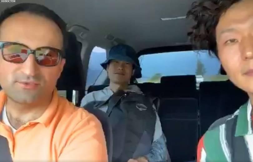 Արսեն Թորոսյանը ավտոստոպով ճամփորդող չինացիների է տեղափոխում իր մեքենայով (տեսանյութ)