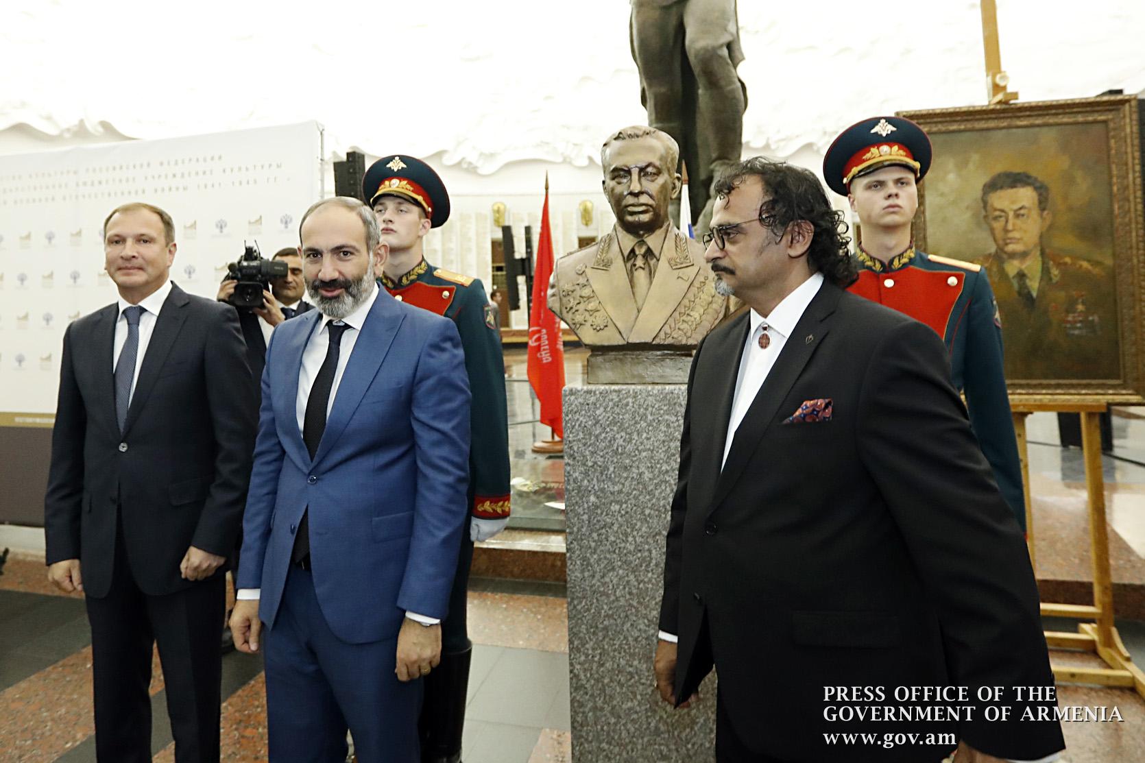 Վարչապետ Փաշինյանի մասնակցությամբ Մոսկվայում բացվել է մարշալ Համազասպ Բաբաջանյանի կիսանդրին (լուսանկարներ)