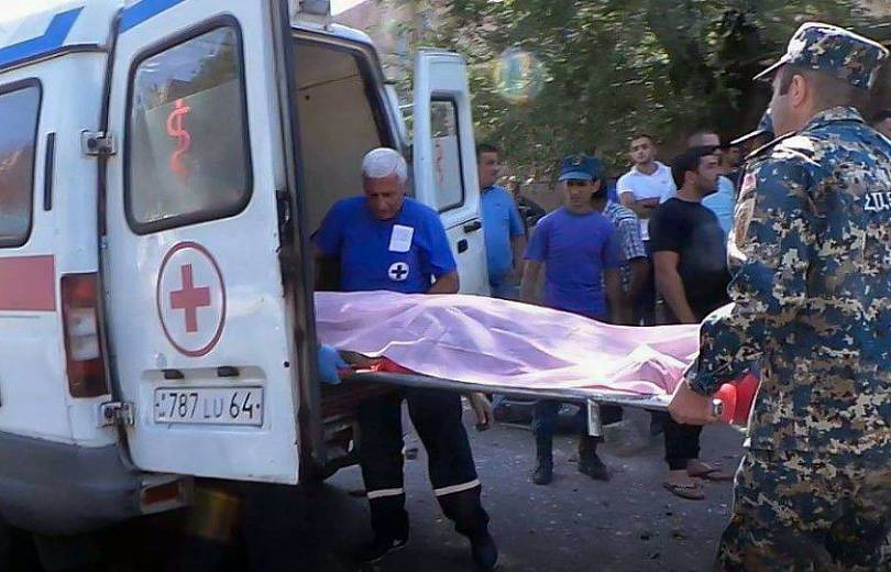 Ավանի Նարեկացի թաղամասում այսօր շենքից ընկած աղջիկը մահացել է