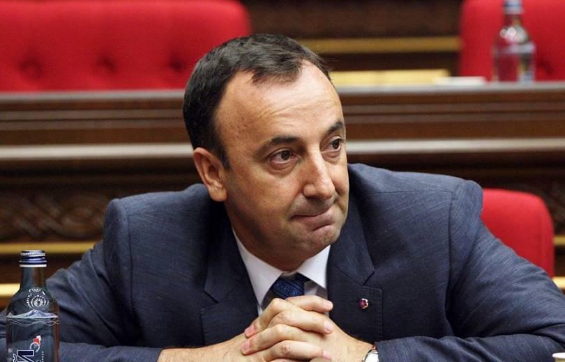 Իրավապահներն ուսումնասիրում են Ազգային ժողովում Հրայր Թովմասյանի թույլ տված չարաշահումները. «Armtimes.com»