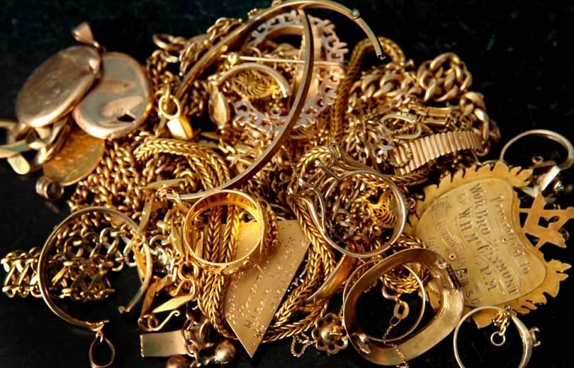 Անչափահաս աղջկանից 4.275.000 դրամի ոսկյա զարդեր շորթելու համար 20-ամյա երիտասարդին մեղադրանք է առաջադրվել