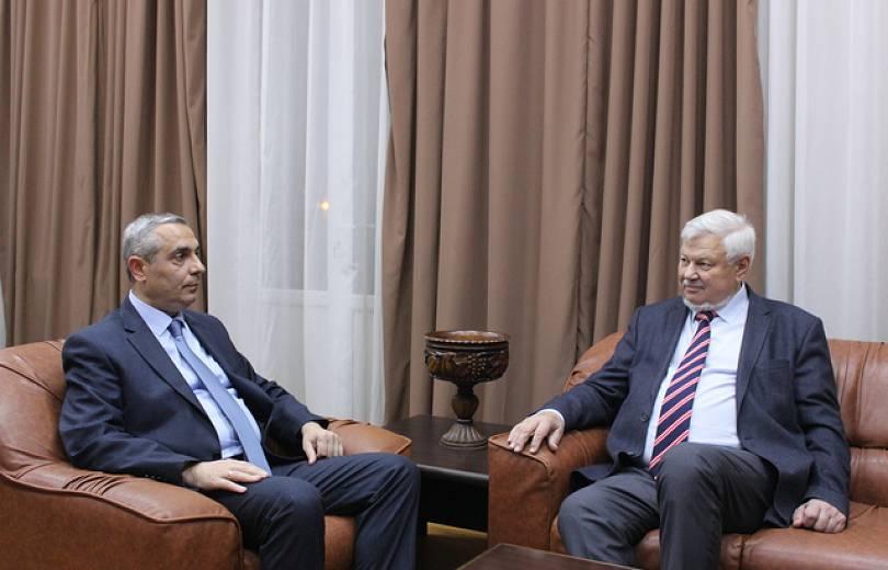 Արցախի  ԱԳՆ նախարար Մասիս Մայիլյանը հանդիպել է Անջեյ Կասպշիկին