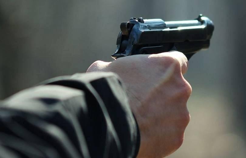 Նոր մանրամասներ՝ 38-ամյա վիրավոր պայմանագրային զինծառայողից. պարզվել է՝ ովքեր են եղել Mercedes-ում և ում կողմից է արձակվել կրակոցը