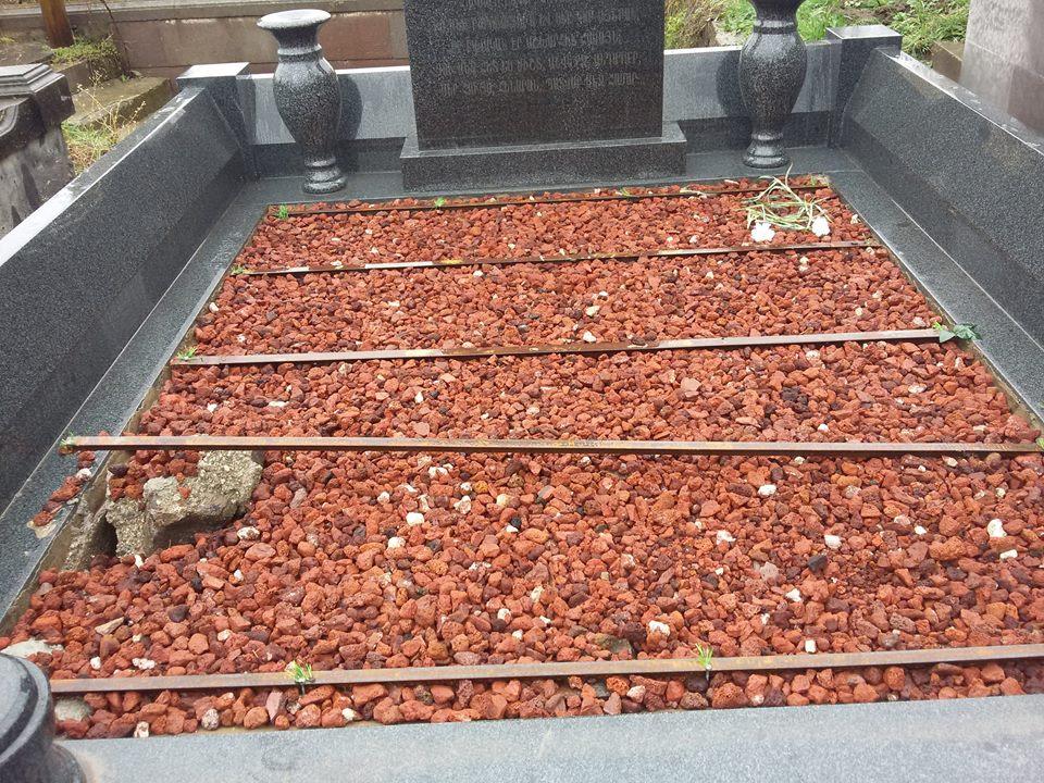 Մնում է գերեզմանաքարերը տանեն