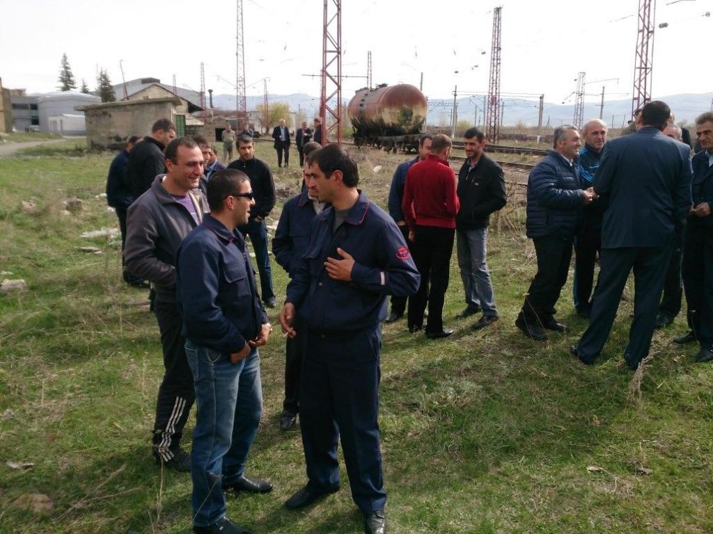 Ամուլսարում  հանքի  աշխատակիցները գործադուլ են հայտարարել. նրանք շարժվում են դեպի Երևան