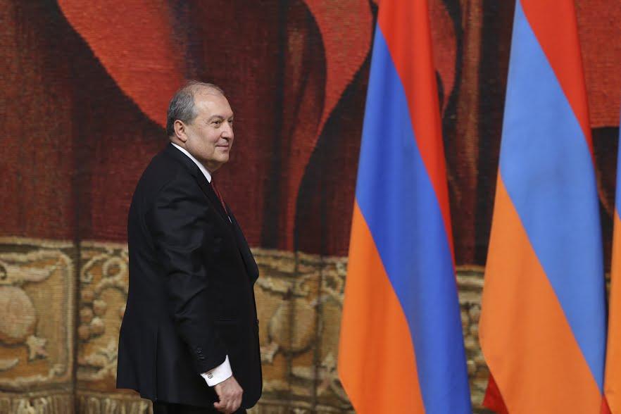 Երդվում եմ լինել անաչառ, առաջնորդվել միայն համազգային շահերով. Արմեն Սարգսյանը ստանձնեց ՀՀ նախագահի պաշտոնը