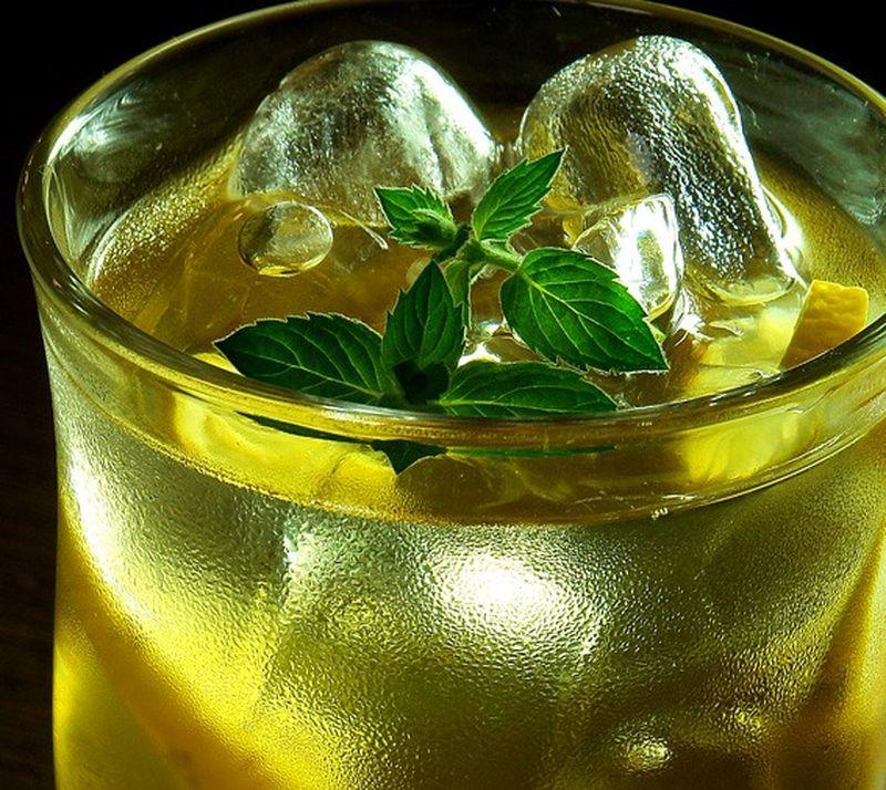 Ինչու չի կարելի սառույցով ըմպելիքներ խմել