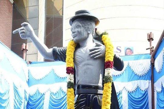 Հնդկաստանում կանգնեցվել է Մայքլ Ջեքսոնի արձանը