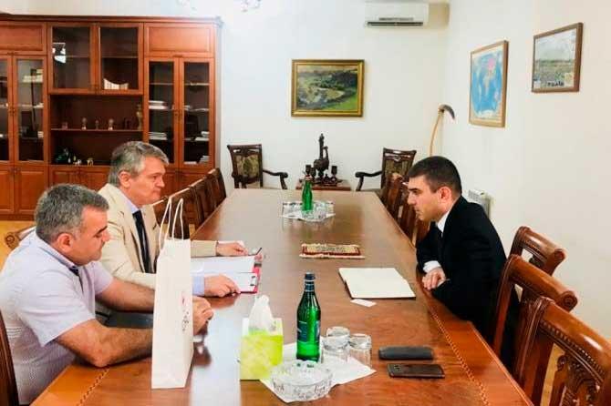 Պետնախարար Մարտիրոսյանը ընդունել է Լեռնային Ղարաբաղում ԿԽՄԿ առաքելության ղեկավար Դրագոսլավ Բլաժևիչ Չիրոյին