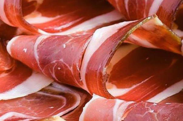 Իսպանիայում սկսել են մուսուլմանների համար նախատեսված խոզապուխտ վաճառել