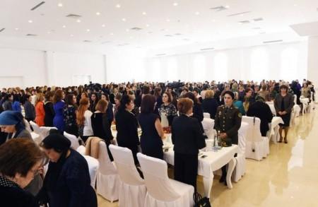 Մեհրիբան Ալիևան հանդիպել է Ադրբեջանի զոհերի մայրերի հետ. հաշվեք` քանի մայր է եկել հանդիպմանը (լուսանկարներ)