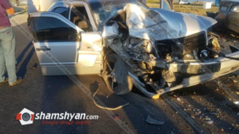 Խոշոր ավտովթար Գեղարքունիքի մարզում. Mercedes-ը դուրս է եկել երթևեկելի գոտուց, բախվել կայանված BMW-ին, կան վիրավորներ