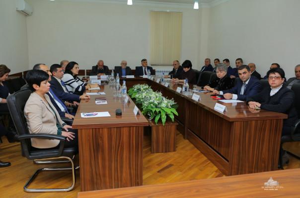 Արցախում տեղի է ունեցել Ղարաբաղյան շարժման 30-ամյակի տոնակատարության կազմակերպման պետական հանձնաժողովի նիստը
