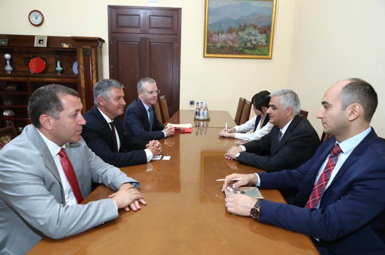 Փոխվարչապետ Մհեր Գրիգորյանն ընդունել է Ասիական զարգացման բանկի հայաստանյան գրասենյակի ղեկավարին