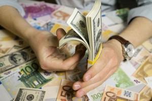 Դոլարի ու եվրոյի փոխարժեքները նվազել են, ֆունտինն ու ռուբլունը` աճել