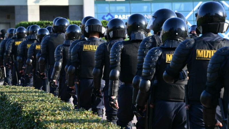 Ընդդիմության երթից առաջ ոստիկանությունը շրջափակել է Մինսկի Հոկտեմբերյան հրապարակը