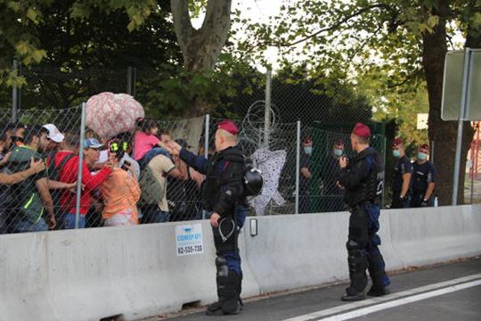 ԵՄ-ն 400 ոստիկաններ կուղարկի Սլովենիա՝ փախստականների հոսքի ֆոնին