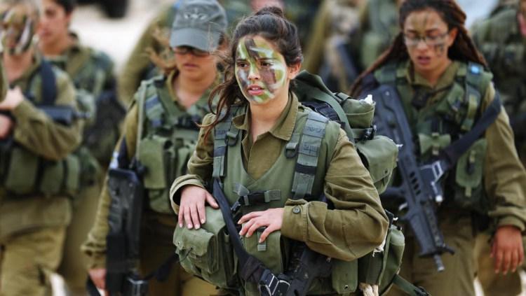 Գեղեցիկ սեռի ներկայացուցիչներ, ովքեր ծառայում են բանակում (ֆոտոշարք)