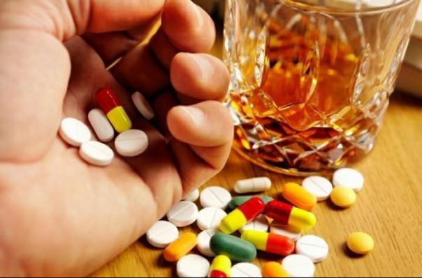 Ինչու՞ չի կարելի խառնել ալկոհոլը դեղամիջոցների հետ