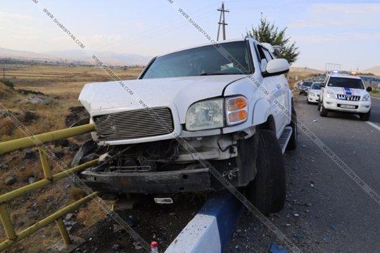 Կոտայքում վթարի է ենթարկվել Յուրի Վարդանյանի ծառայողական մեքենան. 12-ամյա երեխան տեղափոխվել է հիվանդանոց