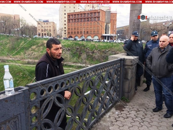 Երիտասարդը սպառնում է ինքնասպան լինել՝ ցած նետվելով Հաղթանակ կամրջից. Նա պահանջում է Ծառուկյանին