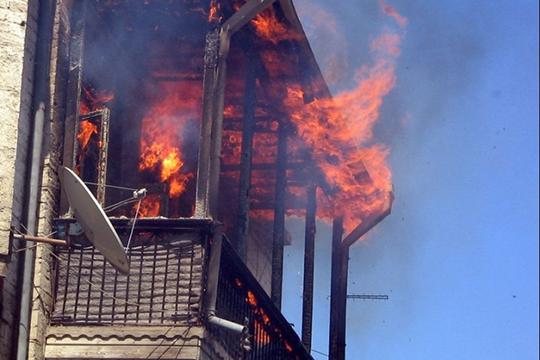 Երվանդ Քոչարի փողոցում բնակարանի պատշգամբ է այրվել