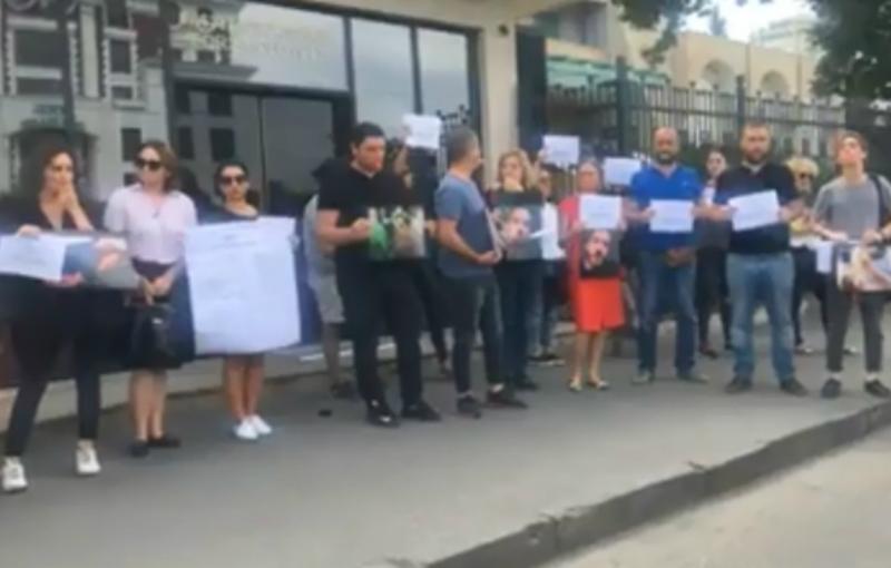 Թբիլիսիում լրագրողները բողոքի ակցիա են իրականացնում