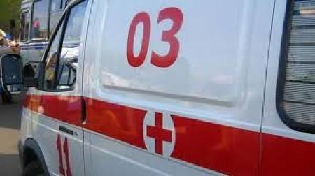 Երևանում ավտոմեքենայի բախումից լուսացույցի սյունը կոտրվել և ընկել է հետիոտների վրա
