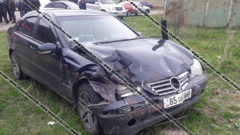 Կոտայքի մարզում բախվել են 29-ամյա վարորդների Mercedes-ն ու Ford Transit-ը. կան վիրավորներ