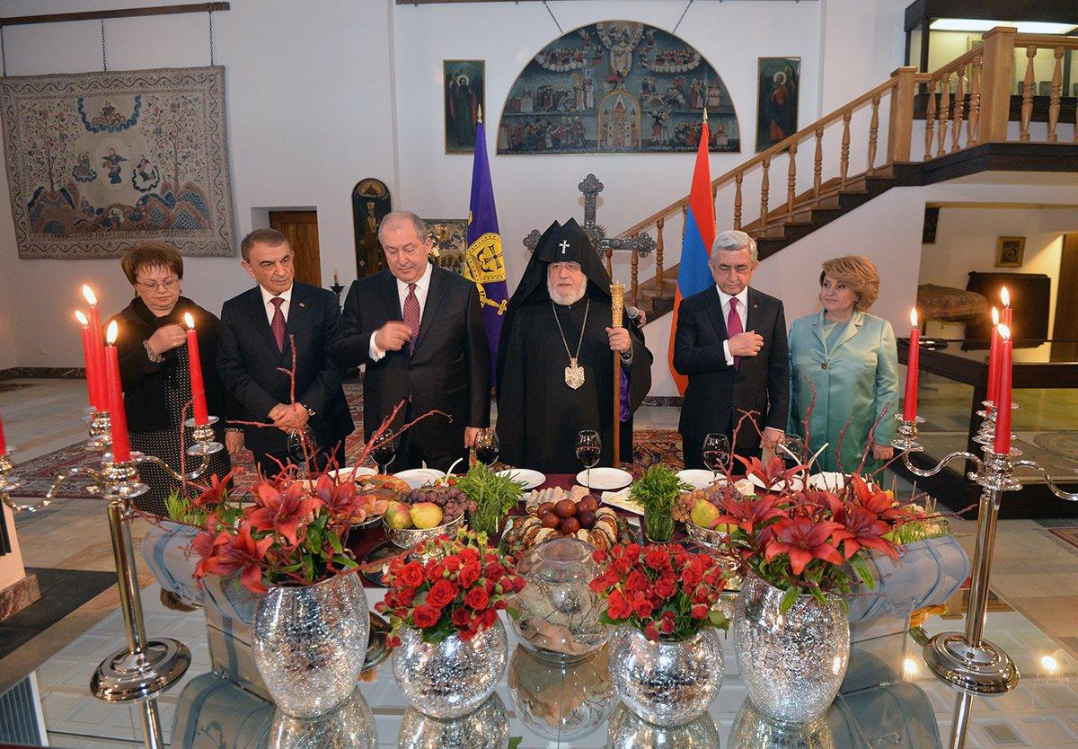 Սերժ Սարգսյանը ներկա է գտնվել Սբ. Զատիկի տոնի առթիվ մատուցված Հայրապետական Սբ. Պատարագին