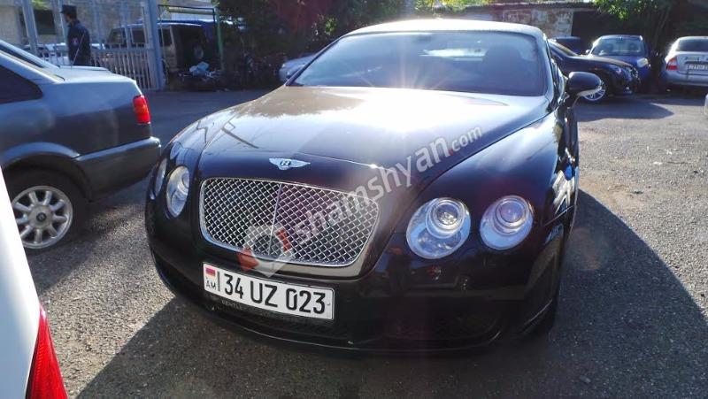 Հարկադիրի կարգադրությամբ Bentley-ն տեղափոխվել է «գաի պլաշչադկա». (լուսանկարներ)