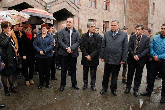 Հարգանքի տուրք Գյումրիում՝ Հոկտեմբերի 27-ի ոճրագործության հետևանքով զոհվածների հիշատակին