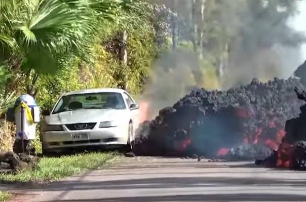 Հավայան կղզիներում լավան «կուլ է տալիս» Ford Mustang մեքենան (տեսանյութ)