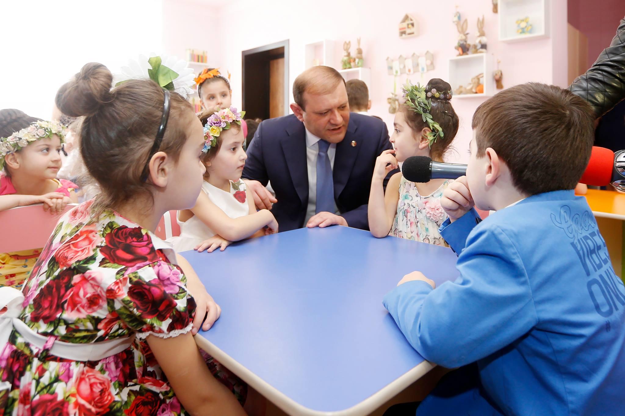 Երեխաների երջանիկ ներկան ու ապագան արված գործերի լավագույն գնահատականն է․ քաղաքապետ Տարոն Մարգարյան