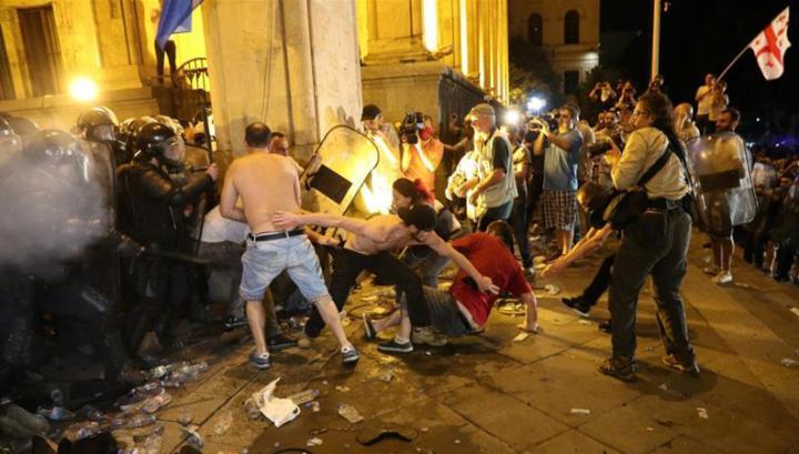 Թբիլիսիում բախումների ժամանակ վնասվածք ստացած հայ ցուցարարի վիճակը կայուն է