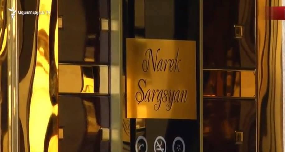 Սաշիկ Սարգսյանի տան վերելակը որդու  անունով է․ օրվա կադրը