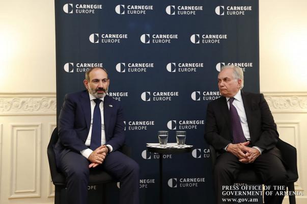 Վարչապետը «Քարնեգի Եվրոպա» կենտրոնի փորձագետների և ԵՄ պաշտոնյաների հետ հանդիպմանը ներկայացրել է Հայաստանի ժողովրդավարական զարգացման իր տեսլականը