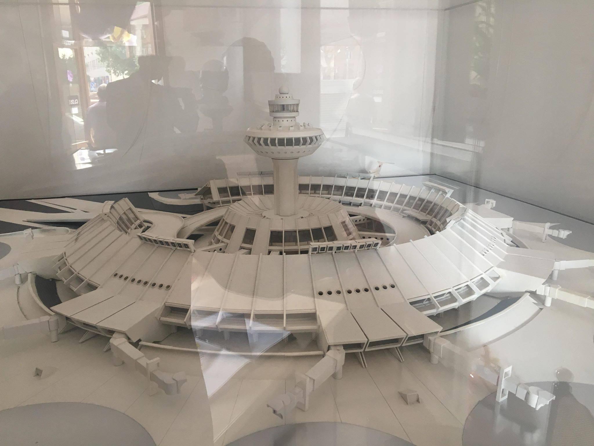 Զվարթնոց օդանավակայանի հին մասնաշենքը, Ռոսիա կինոթատրոնը և մի քանի այլ կառույցներ ստացել են պատմության և մշակույթի անշարժ հուշարձանի կարգավիճակ