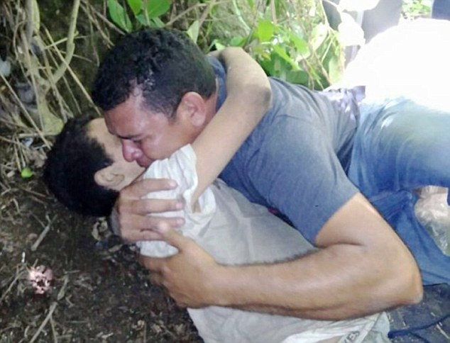 Ողբերգական պահ՝ հայրը որոնումներից 3 օր անց գտնում է մահացող որդուն (լուսանկարներ)