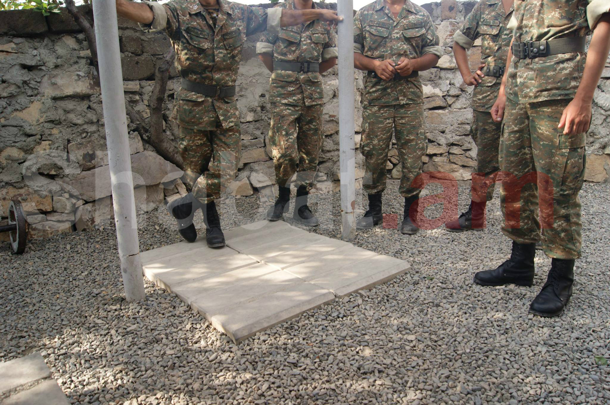 Հակառակորդը բացի հրաձգային զինատեսակներից` կիրառվել է նաև ՌՊԳ-7 տիպի նռնականետ
