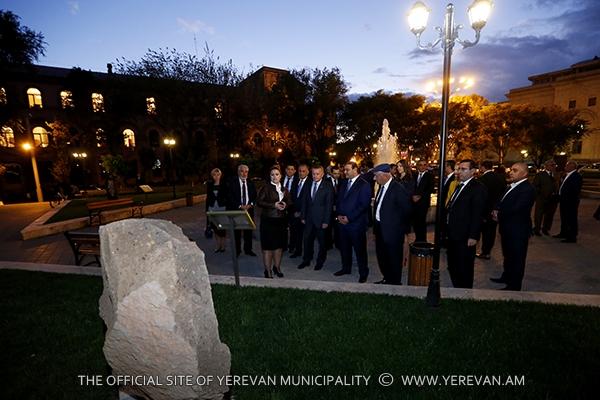 Քաղաքապետ Տարոն Մարգարյանը Դոնի Ռոստովի գործընկերոջ հետ շրջել է գիշերային Երևանում (լուսանկարներ)