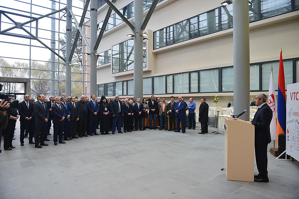 Նախագահ Սերժ Սարգսյանը Վանաձորում ներկա է գտնվել տեխնոլոգիական կենտրոնի բացմանը