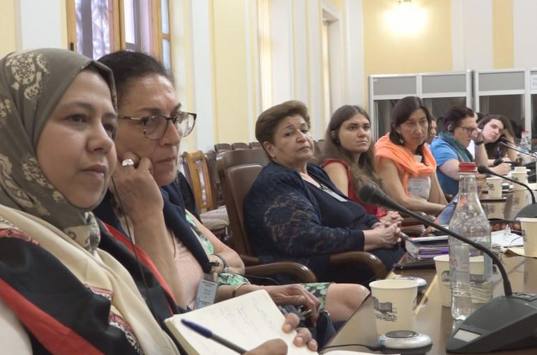 ՀՀ Ազգային ժողովում տարբեր երկրներից հրավիրված կանայք քննարկել են ժողովրդավարությանն առնչվող հարցեր