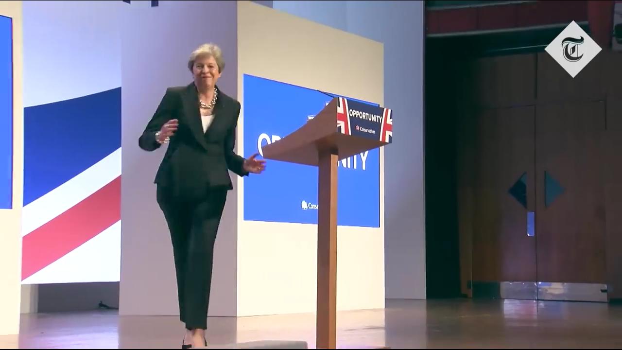 Մեծ Բրիտանիայի վարչապետը պարել է ելույթից առաջ (տեսանյութ)