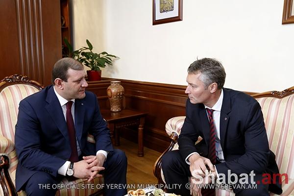 Քաղաքապետ Տարոն Մարգարյանը հանդիպել է Եկատերինբուրգի գործընկերոջ հետ (լուսանկարներ)
