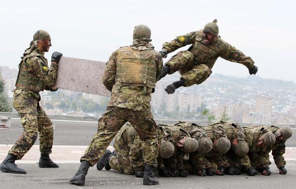 Այսօր Հայոց բանակի հետախույզի օրն է
