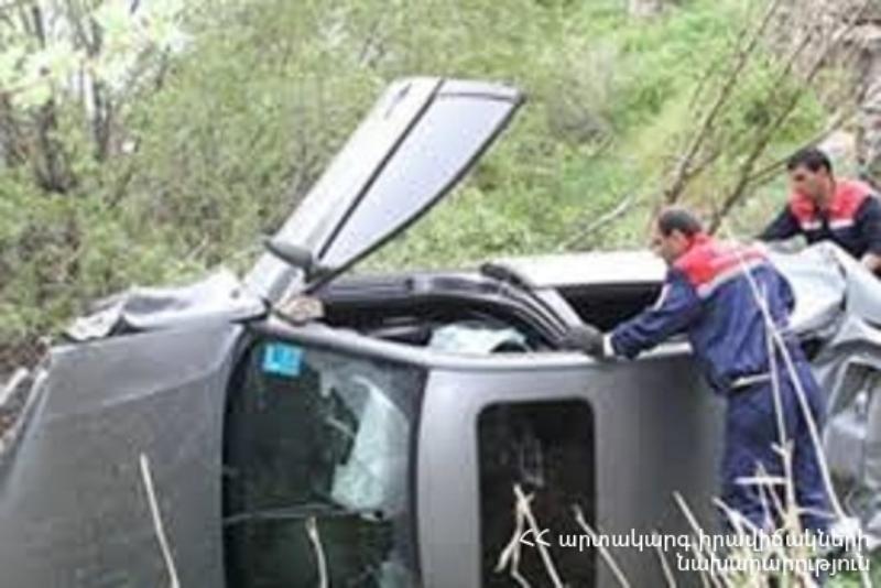 Ծովազարդ գյուղի մոտ մեքենան ընկել է ձորը. տուժածներին տեղափոխել են Գավառի ԲԿ