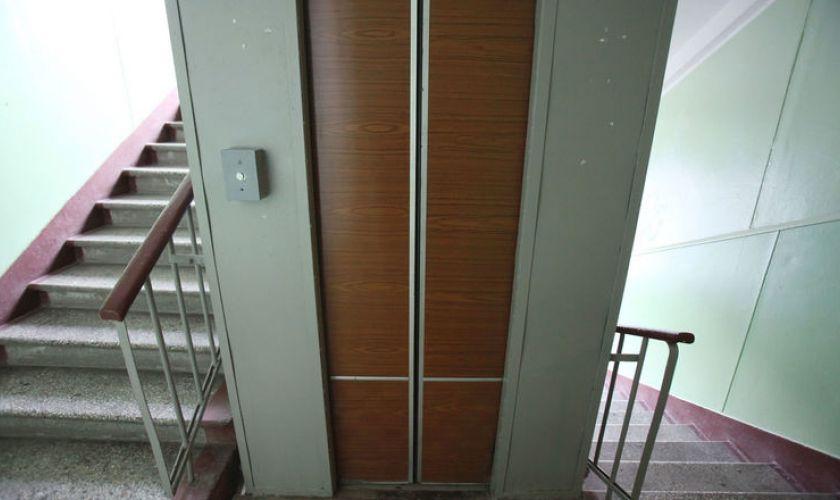 Երևանում քաղաքացին արգելափակվել է վերելակում